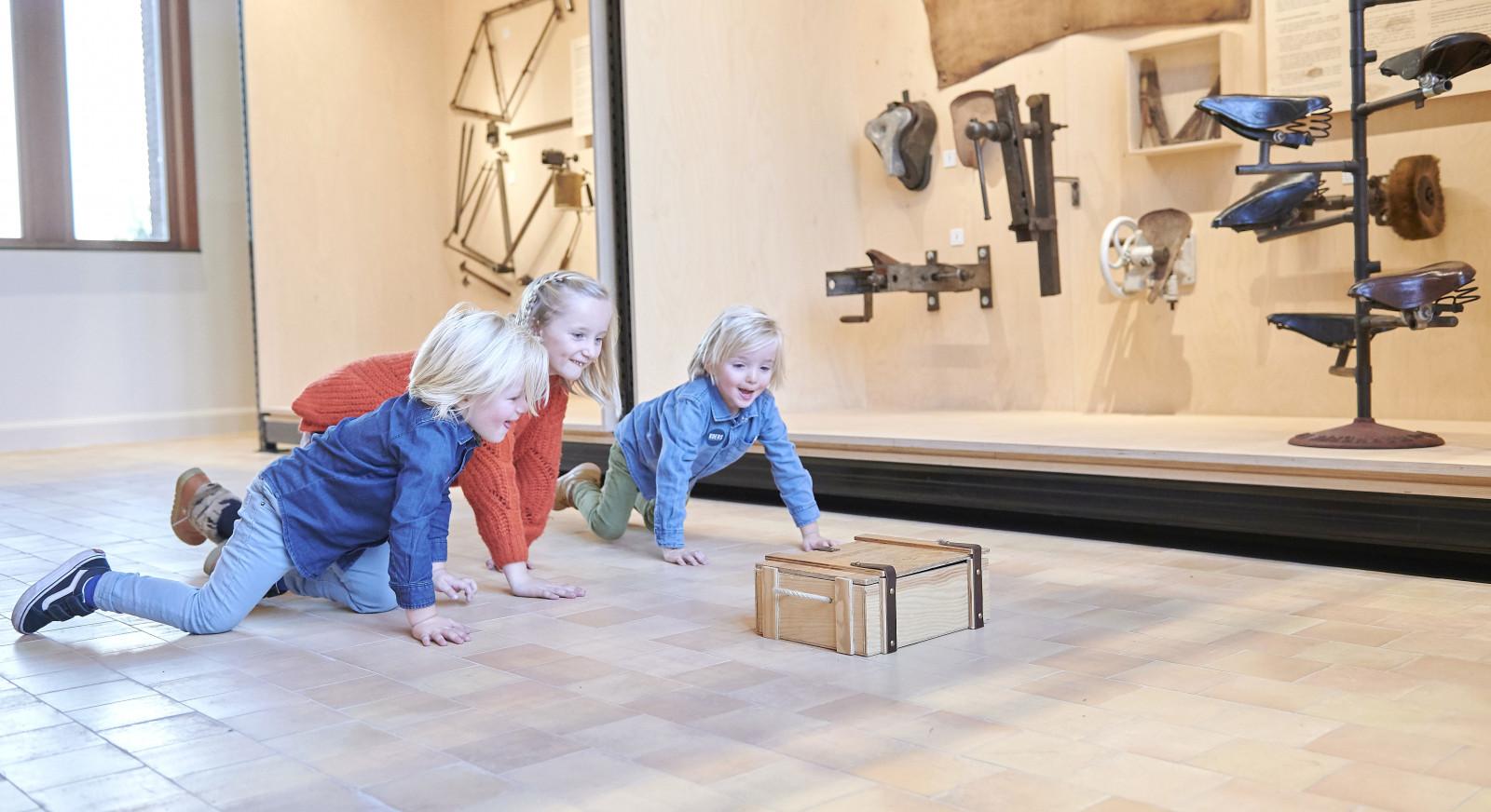 Schatten van Vlieg in KOERS museum